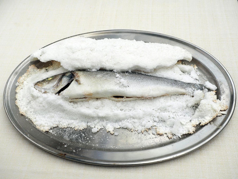 Pesce al sale
